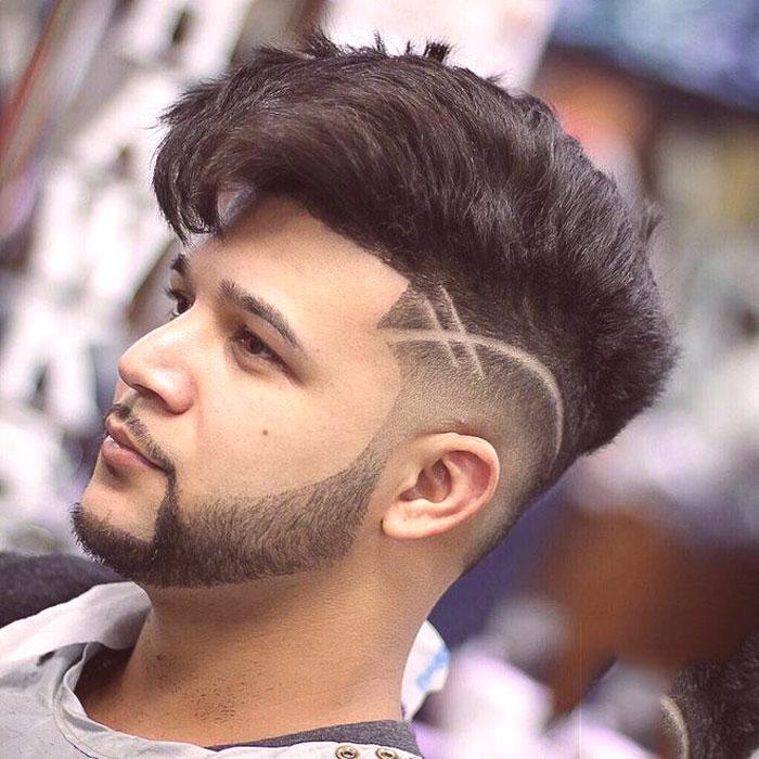 Demi-boГ®te de coupe de cheveux pour hommes avec une transition en douceur