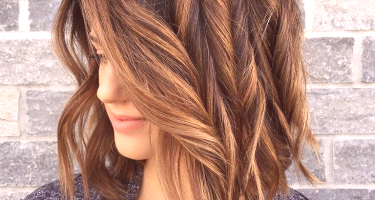 Coloration des cheveux en mГЄme temps que la mise en Г©vidence