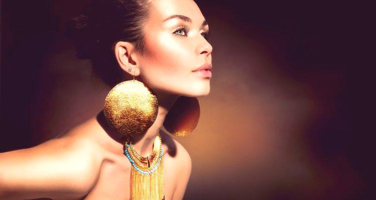 Moda biżuteria 2019: trendy, trendy, nowy sezon, zdjęcia