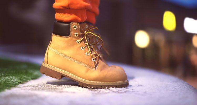 7f2776e92a2f V zime 2019 sa hlavnou tendenciou stali módne dámske topánky rôznych  modelov a štýlov. V tejto sezóne sa dizajnéri tešili z módy s množstvom  štýlových ...