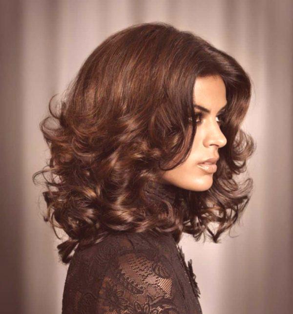 Strzyżenie Włoskiej Kobiety Na średnie Włosy Modne Zdjęcia