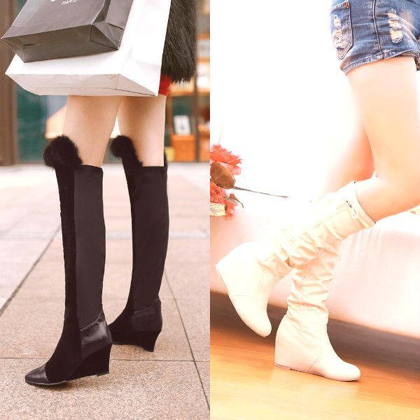 d7c7f71b43e11 Takéto oblečenie znamená, že pri príchode do cieľa a odstránení vrchného  oblečenia sa zmeníte na menej masívnu obuv.