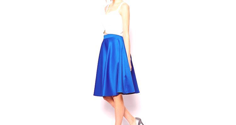 27ea0cb4107d Modrá sukňa nie je tak banálna ako čierna