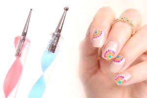 Dessins de points sur les ongles