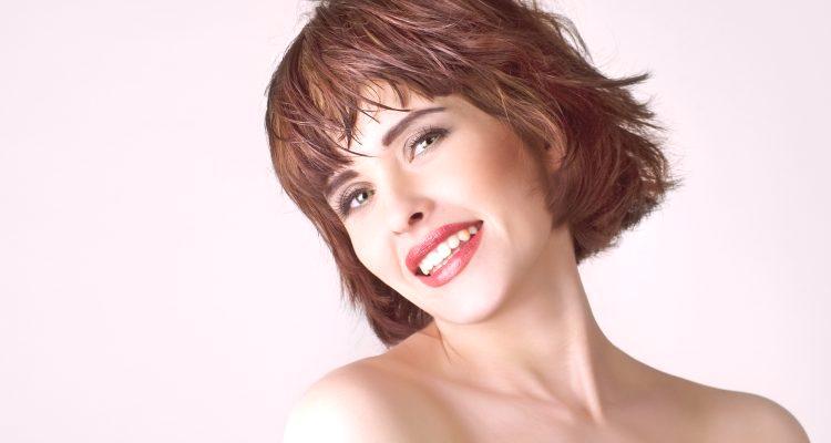 Fryzury Na Krótkie Włosy Z Grzywką Zdjęcie