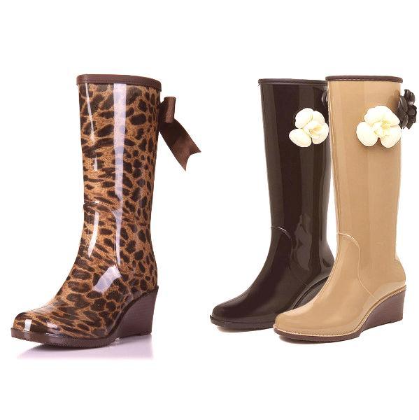 4900484f5cf1e Aké oblečenie by bolo najlepšie pre topánky na vysokej plošine? Takéto  topánky s rozšírenými sukňami na koleno, s chudé nohavice a krátke rovné  sukne ...