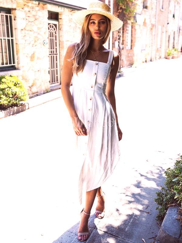 5b3fa7838a5d Letné šaty sú svetlé  fotografie módnych štýlov 2019