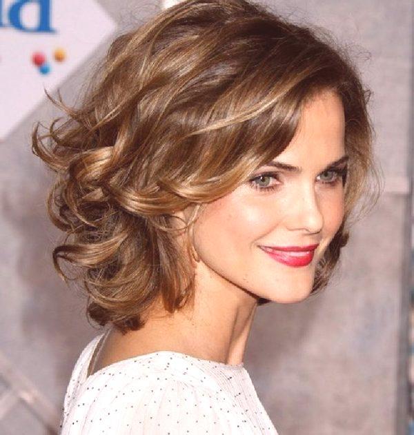 Fryzury Dla średnich Włosów 2019 Kobiety Zdjęcie Po 30