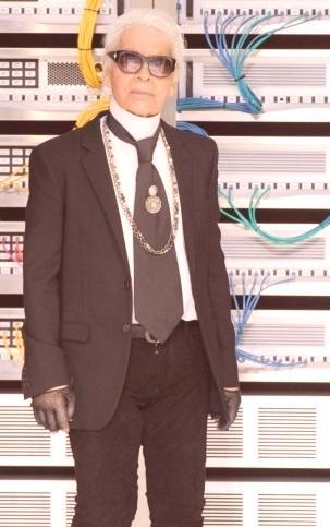 492dc9f420 Genialny francuski projektant mody Karl Lagerfeld zachwyca miłośników mody  na całym świecie. Wyjątkowe wyczucie stylu