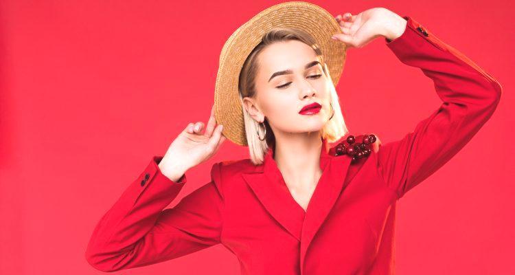 d11540611bcf Oblečenie na sako v roku 2018 sa opäť stalo jedným z najpopulárnejších  štýlov