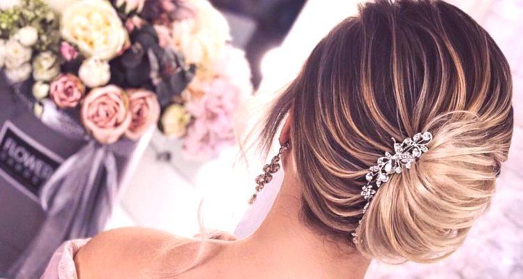 56a60328dd40 Účes šelmy pre stredné vlasy je poctou elegancii a ženskosti. Pôvodne  pochádzala z Francúzska a vždy pridáva chic a sofistikovanosť.